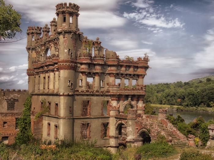 Bannerman-Castle-NY-Hudson River