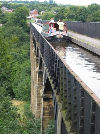 Pontcysyllte-Aqueduct-0[3]