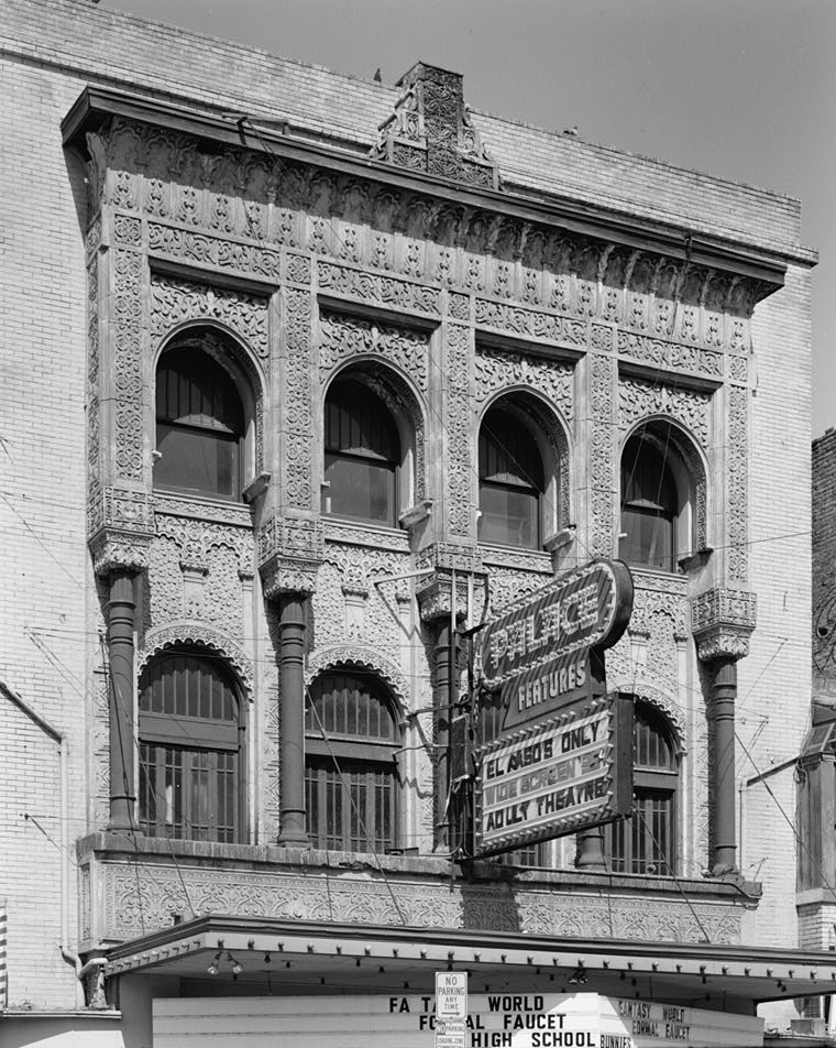 El_Paso,_Texas - Alhambra_Palace_Theater,_