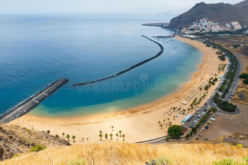 Hilo, Hawaii - comparison with Playa de Las Teresitas, Tenerife