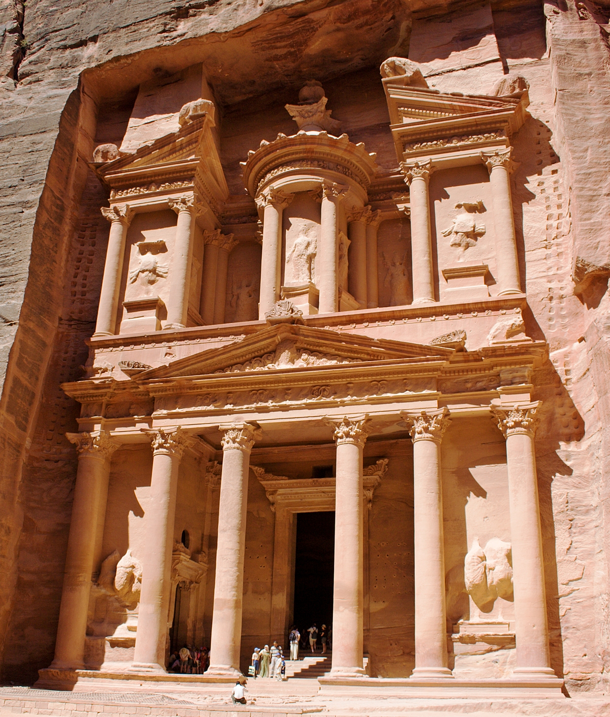Petra Statues