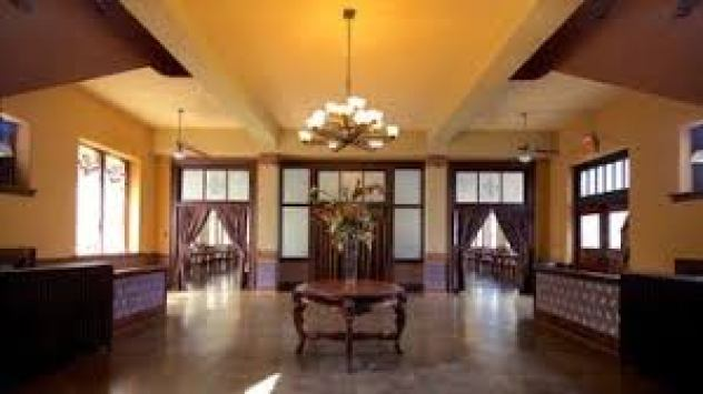 This image has an empty alt attribute; its file name is 90551-pythian-castle-foyer.jpg